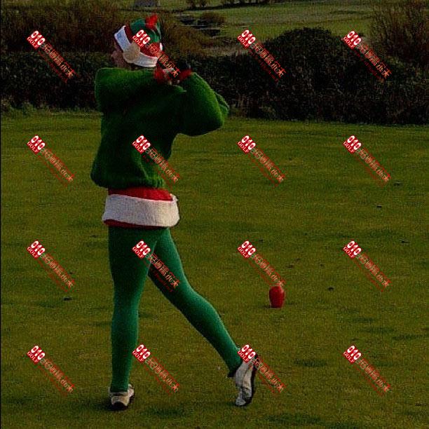 【图片秀】圣诞节气氛的服装来打球